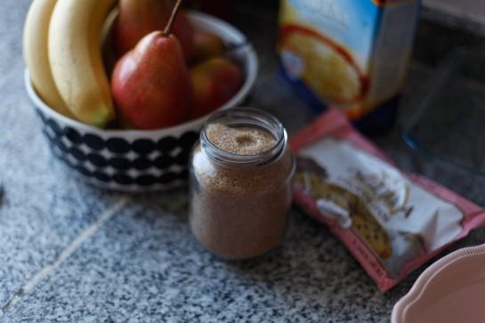 Crumble de pera, banana y chocolate